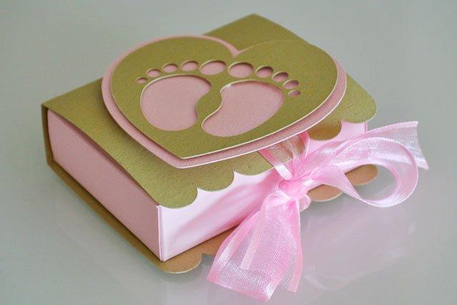 bomboniera battesima scatolina portaconfetti piedini rosa