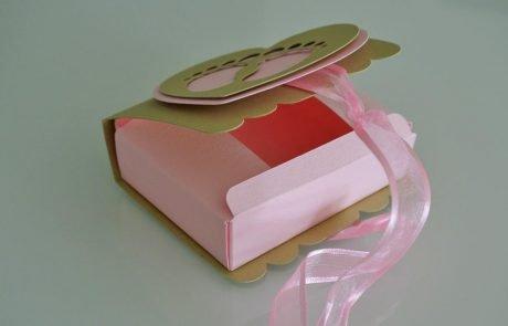 bomboniera nascita scatola libro cuore piedini